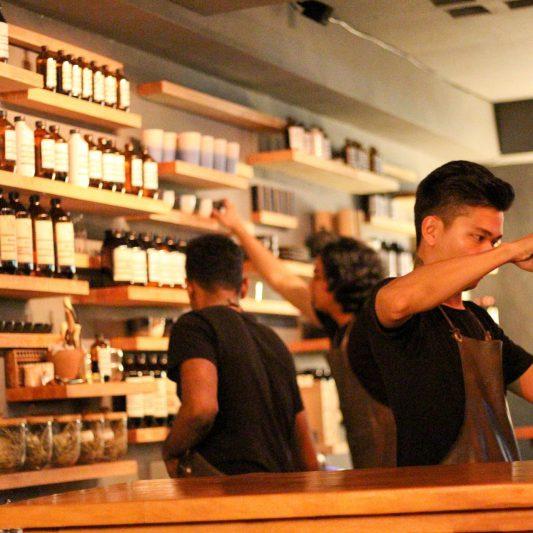 pharmacy-2252534_1920